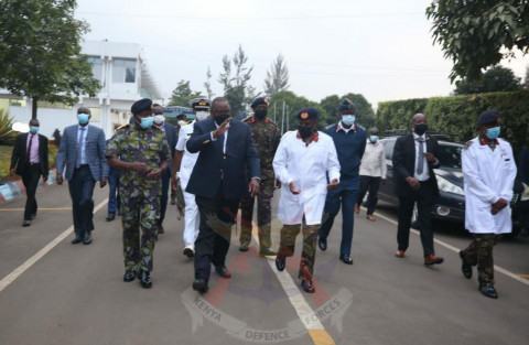 President Uhuru at the Defence Forces Memorial Hospital. PHOTO/KDF